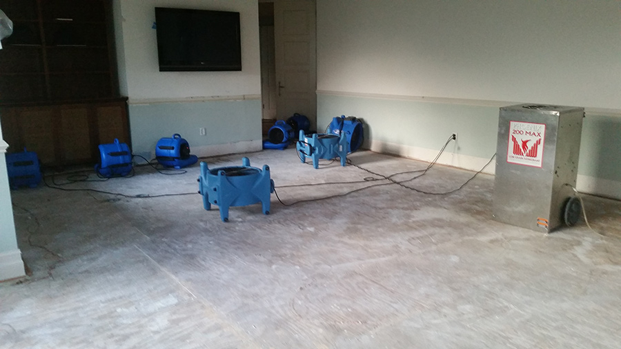 Structural Drying after Water Damage in Main Living Area